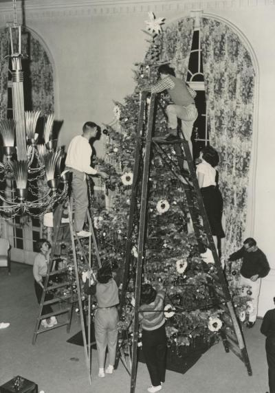 Tree decorating in the Georgian Lounge
