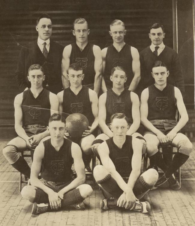 Basketballl team, about 1919