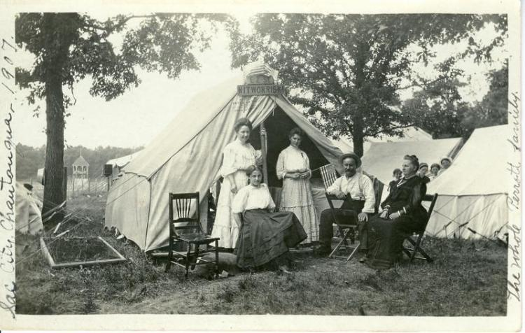 Perrott family at the Sac City Chautauqua, 1907.