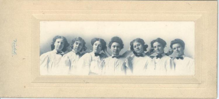Normal School graduates, spring 1908.