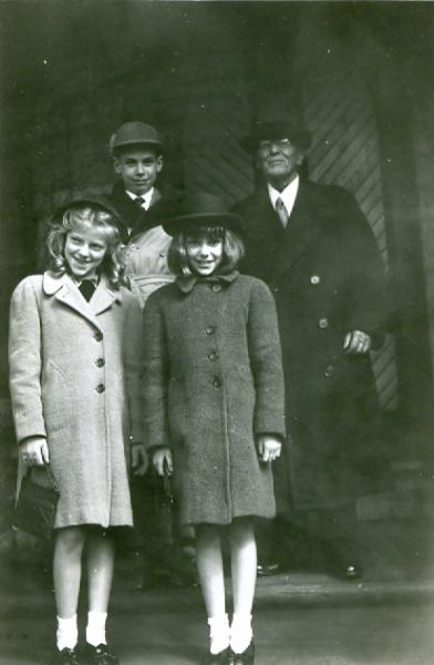 Frank Merchant and Wellborn children